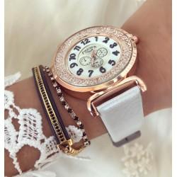 Ceas dama elegant din piele lucioasa cu pietricele in cadran