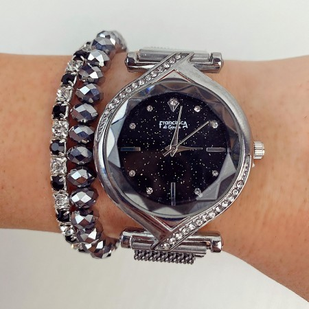 Ceas dama elegant argintiu cu cadran negru sistem de inchidere magnet