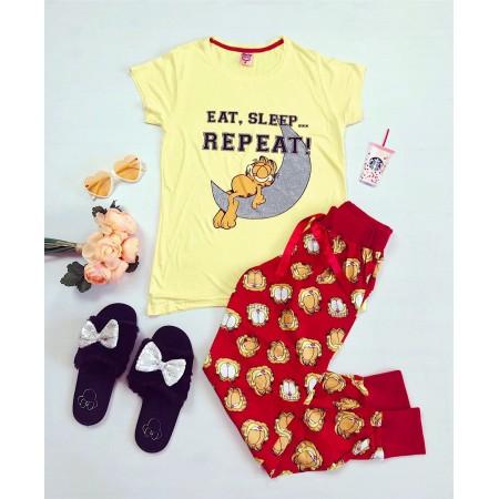 Pijama dama lunga galbena cu imprimeu rosu Garfield