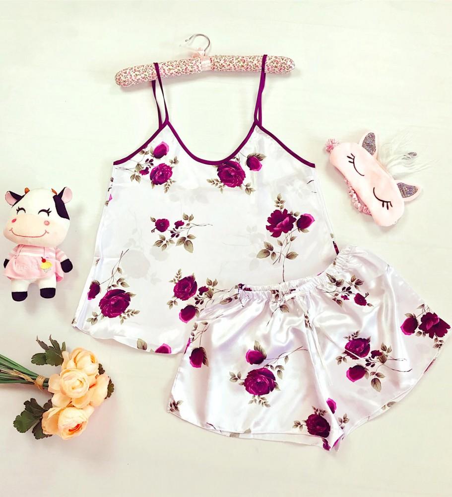 Compleu pijama set maiou si pantaloni scurti din satin premium alb cu imprimeu trandafiri visinii delicati