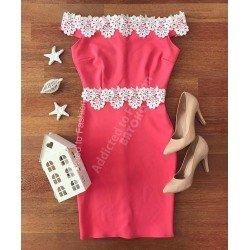 Rochie de seara eleganta roz stramta cu dantela alba