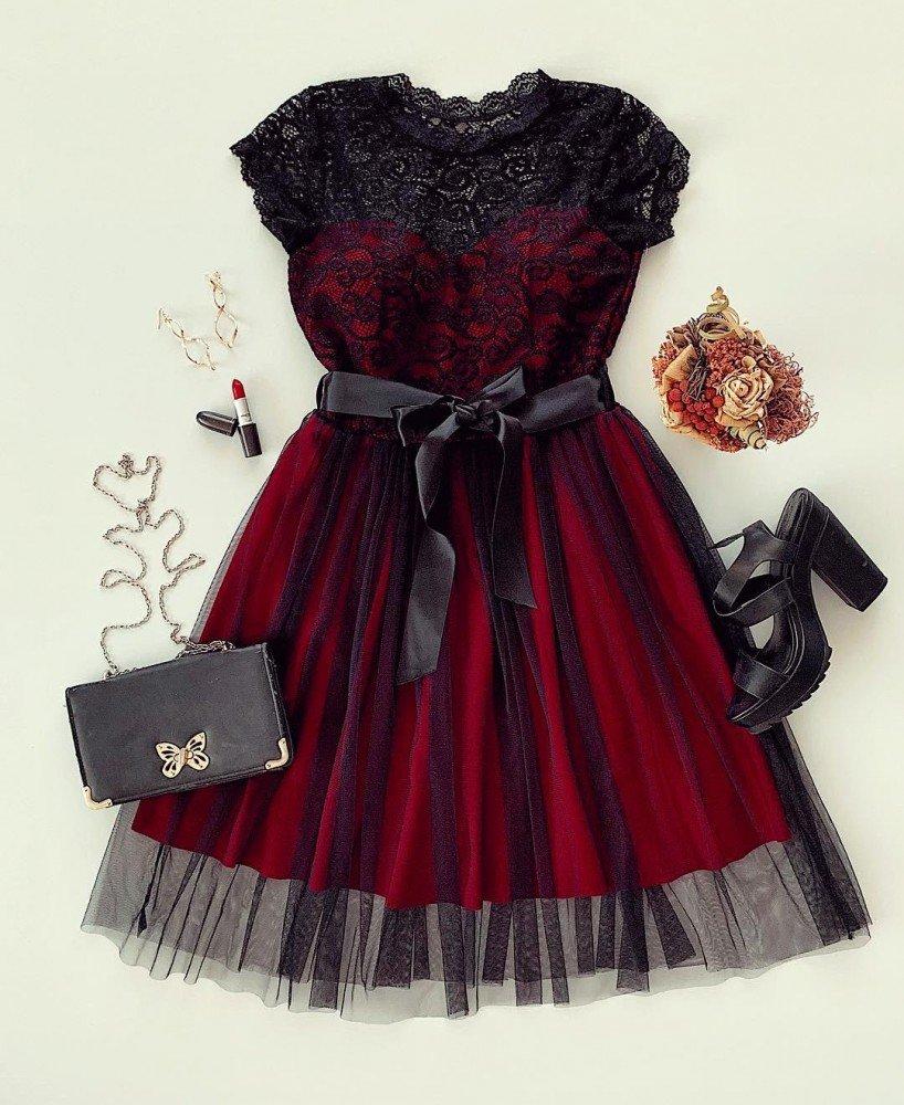 Rochie eleganta de ocazie cu dantela si tul  scurta de culoare visinie