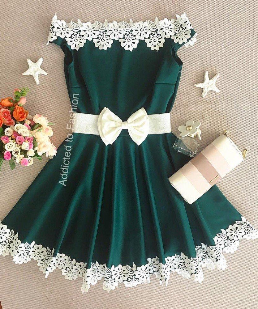 Rochie scurta eleganta verde in forma cloche cu broderie