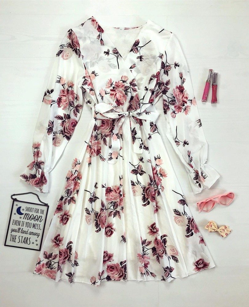 Rochie alba scurta de zi eleganta cu imprimeu floral si cordon