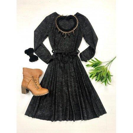 Rochie neagra tricotata groasa cu cordon in forma cloche