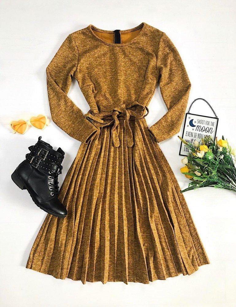 Rochie galben mustar cu cordon tricotata in forma cloche