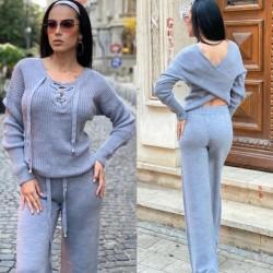 Compleu dama tricotat gri cu bluza petrecuta si pantalon evazat