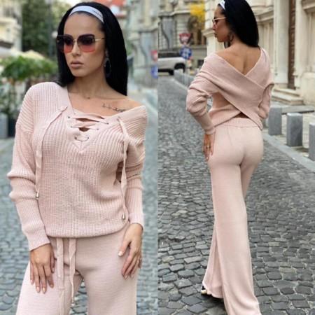 Compleu dama tricotat roz cu bluza petrecuta si pantalon evazat