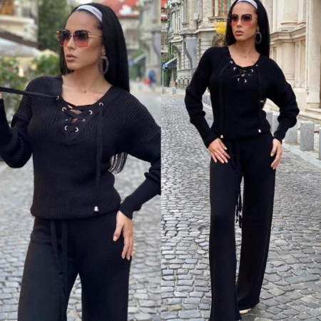 Compleu dama tricotat negru cu bluza petrecuta si pantalon evazat