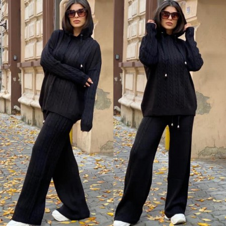 Compleu dama tricotat negru cu bluza larga si pantalon evazat