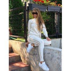 Trening dama alb cu dungi tricotat superb