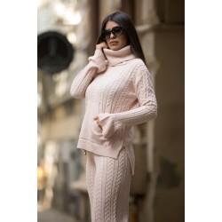 Compleu dama tricotat roz pe gat cu pantalon evazat