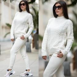 Trening dama alb din tricot gros cu buzunare