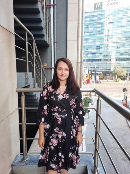 Vreau sa va felicit pentru minunatiile de produse,in special rochitele de vara pe care le ador , la propriu! - Madalina