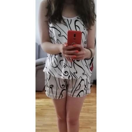Bună ziua, foarte frumoase pijamalele din satin, am așteptat puțin după ce le am primit, sa vad cum se comporta și la spălat. Sunt super ok și materialul este foarte plăcut. Comanda a fost făcută pe numele Stanila Lucica, mulțumesc😁 - Stanila lucica