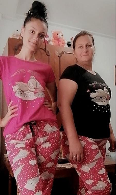 Mulțumesc mult pentru pijamale! Sunt suberbe iar calitatea lor este una foarte bună! 😍😍 Voi reveni cu siguranță și cu alte comenzi! Sunteți minunați! ❤️❤️😘 - Madalina Coman