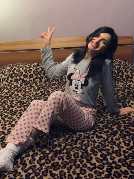 După cum se vede, îmi place pijamaua. 😍 - Cristina Loghin