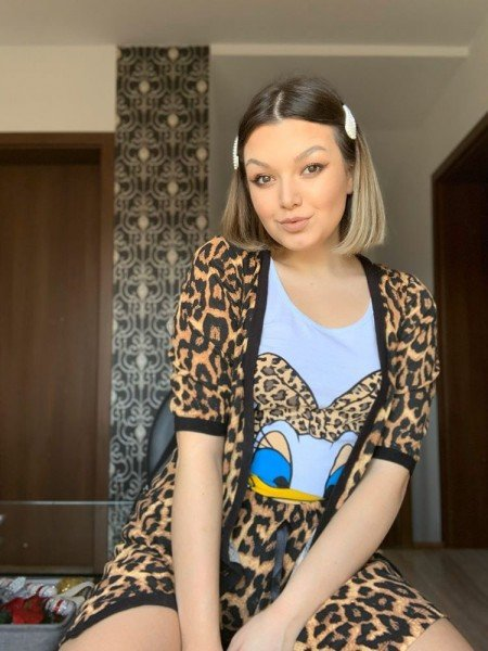 Sunt super incantata de aceste pijamale ❤️ - Antonia Lorena