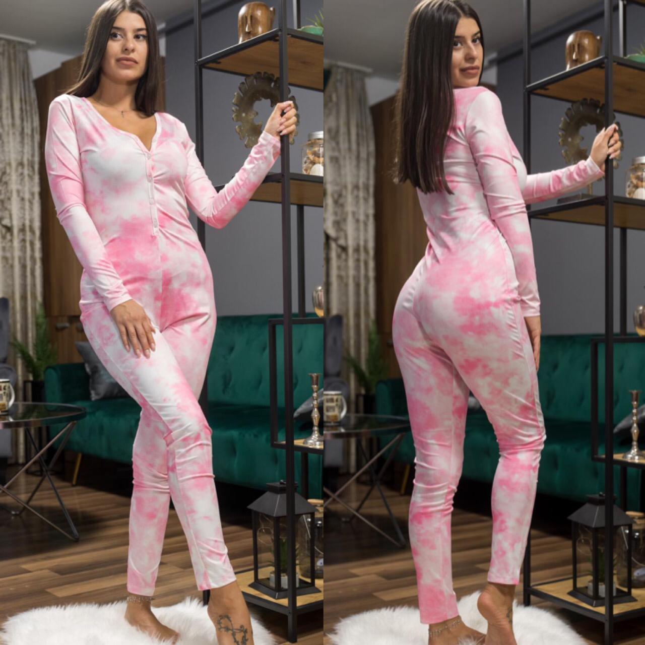 Compleu-salopeta dama roz cu imprimeu Norisori Pufosi