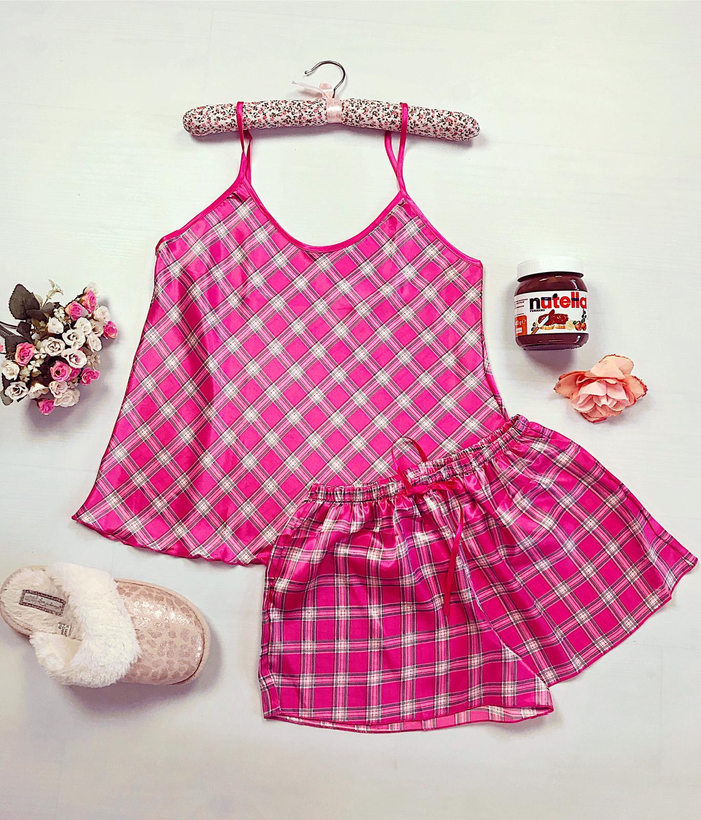 Compleu pijama set roz maiou si pantaloni scurti din satin premium cu carouri