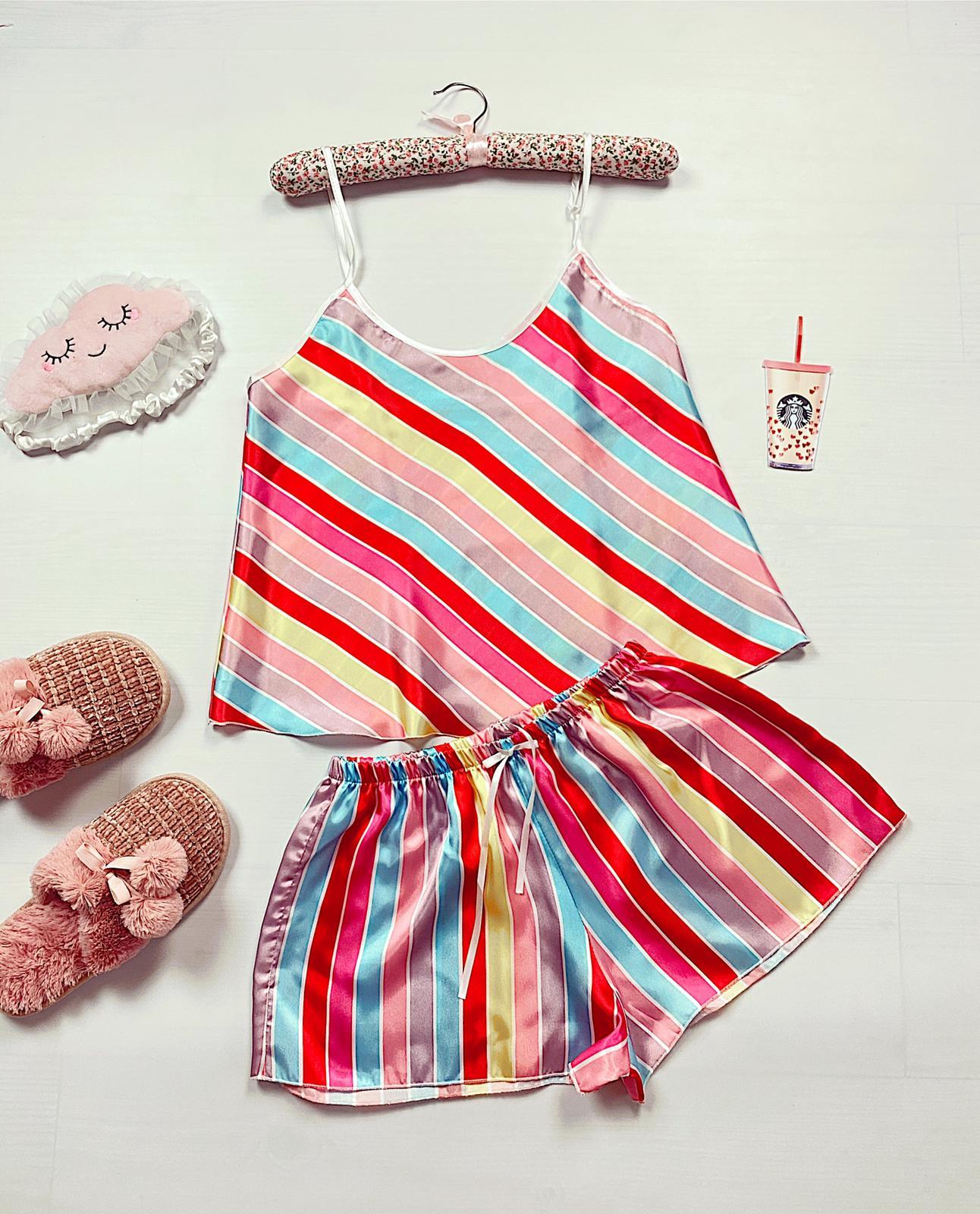 Compleu pijama scurt colorat din satin cu imprimeu dungi