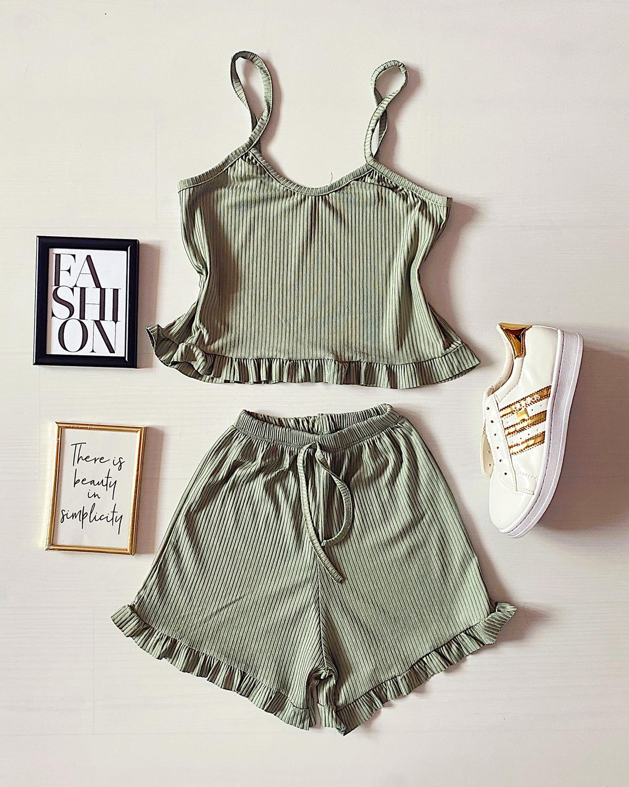 Pijama dama scurta verde cu volanase