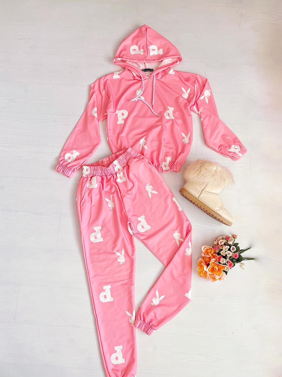Compleu dama roz bumbac cu imprimeu super trendy pentru primavara