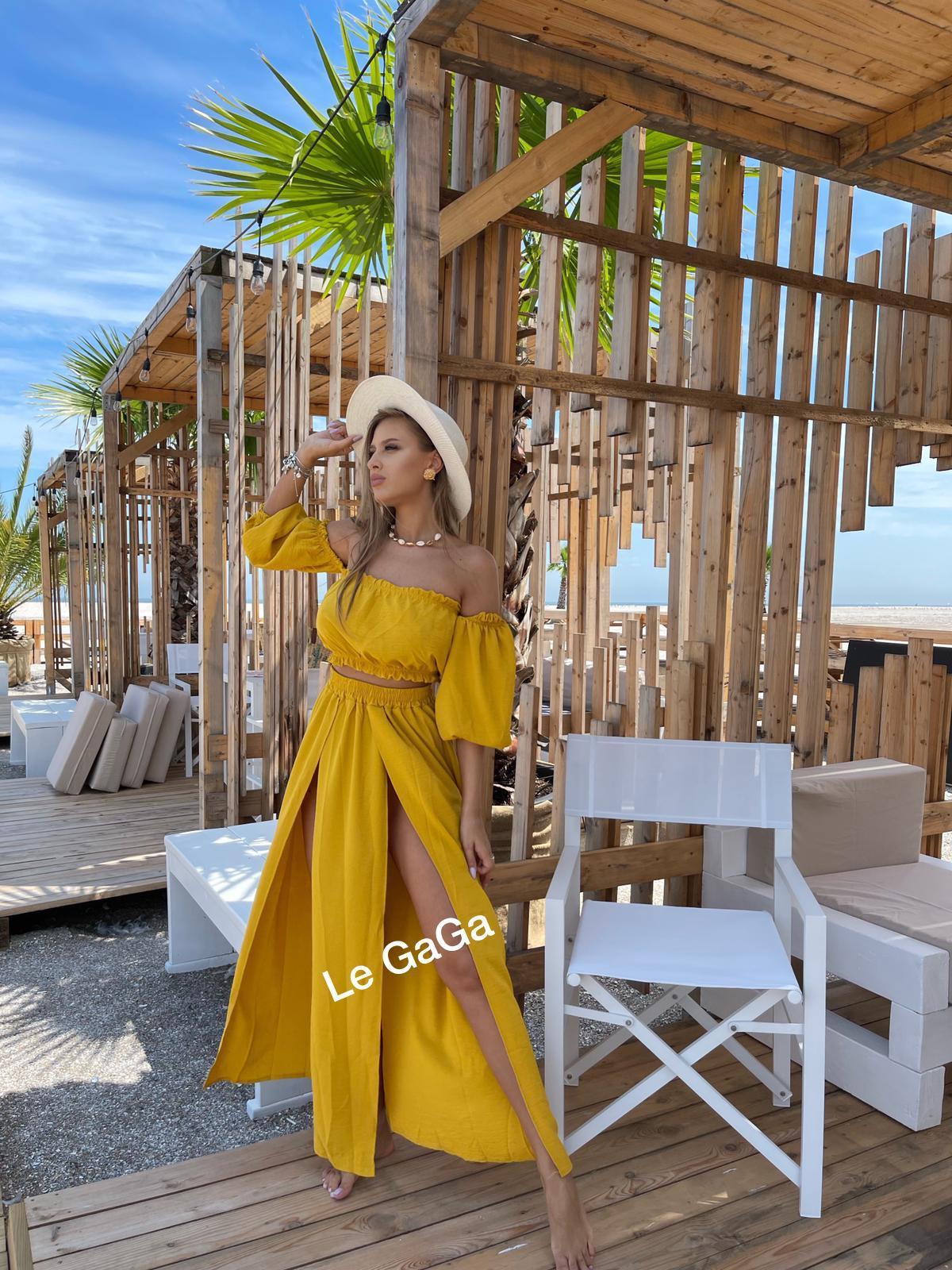 Set dama galben de plaja Bluza diafana - Fusta decupata