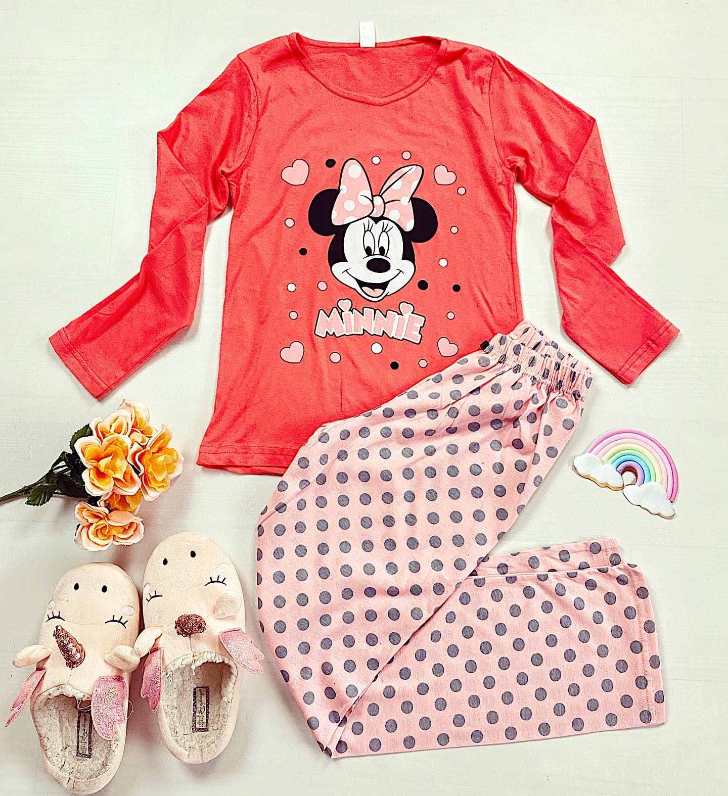😱Minnie e personajul vostru preferat, asa ca am adus multe pijamale noi cu acest imprimeu superb🧡🧡 Cumpara-ti cele mai frumoase pijamale la oferta: 2 la 79 lei! #onlineshopping #shopping #clothes #women #pajamas #night #home #staysafe