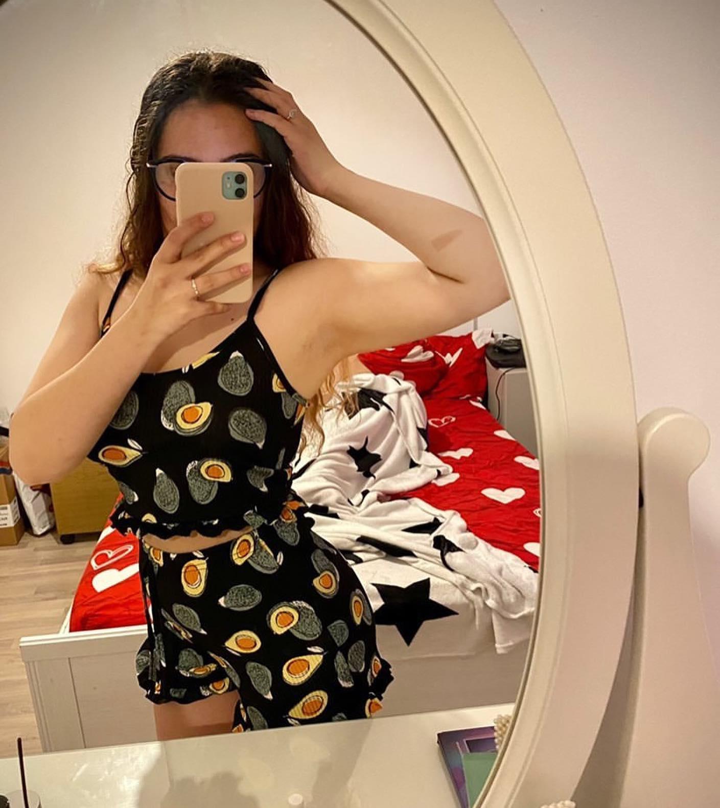 @oana_lorena27 si-a luat deja pijamalele scurte pentru noul sezon, a ales imprimeul cu avocado si animal print 🤗🌺 You look so awesome! #clothes #pajamas #photooftheday #summer #sunnyday #instadaily #colour #spring