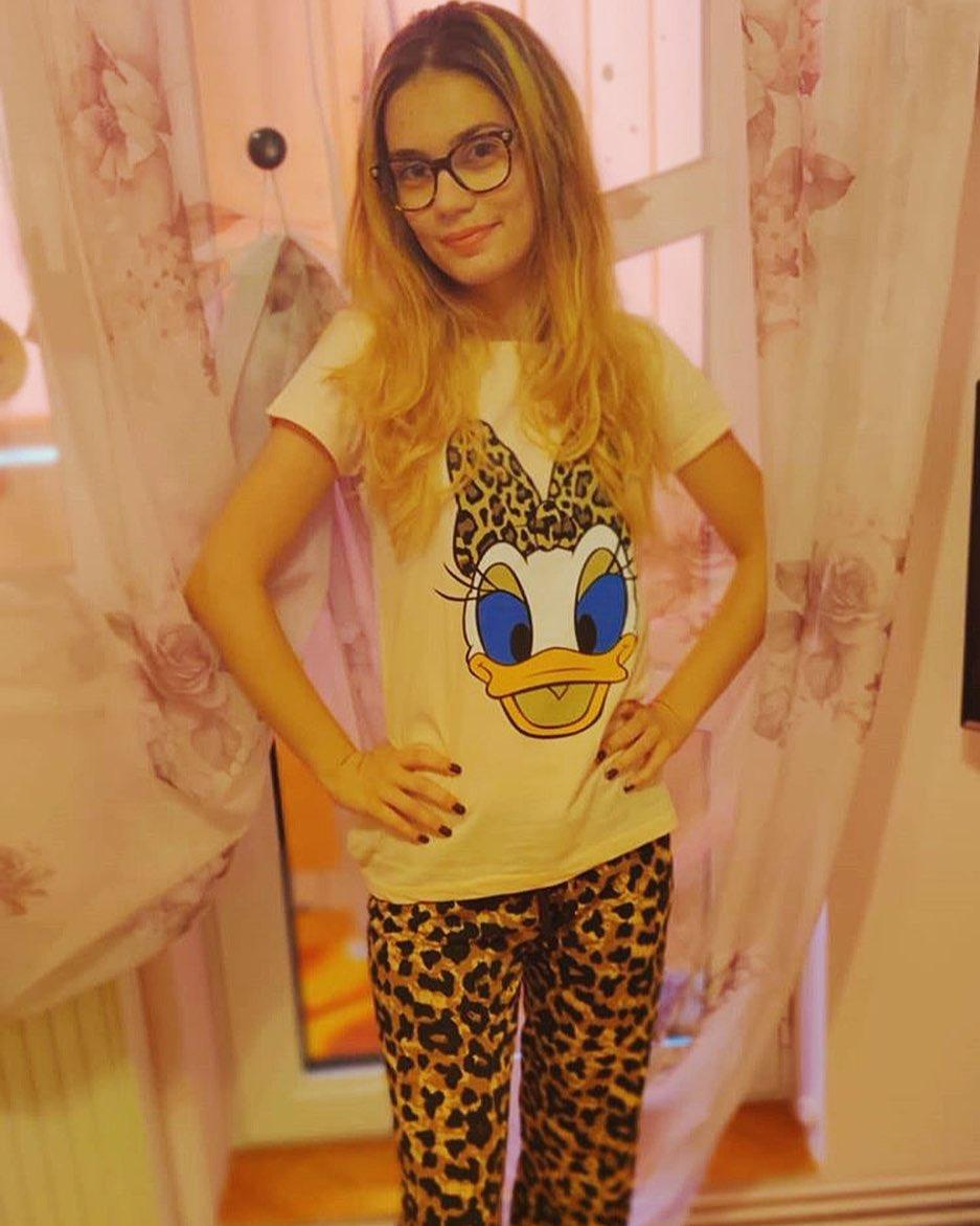@ancaaland isi incepe duminica voioasa si plina de energie, imbracata cu noua ei pijama cu imprimeu Daisy animal print ❤️ #marokogirls #pajamas #morning #goodmorning #sky #photooftheday